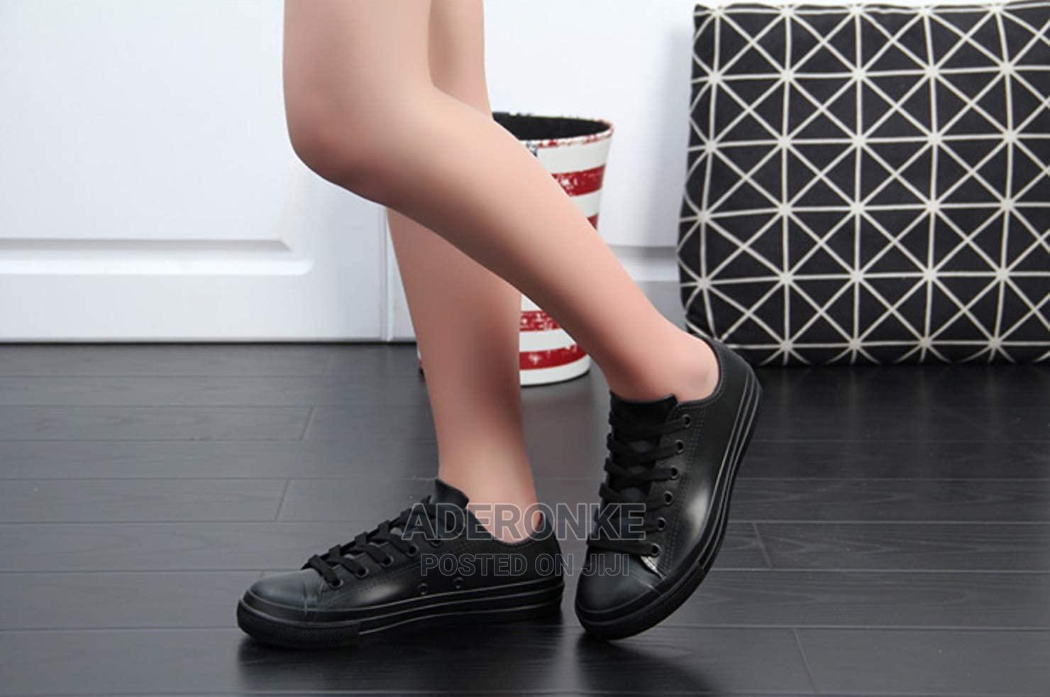 Casual Jelly Sneakers - Black or Pink