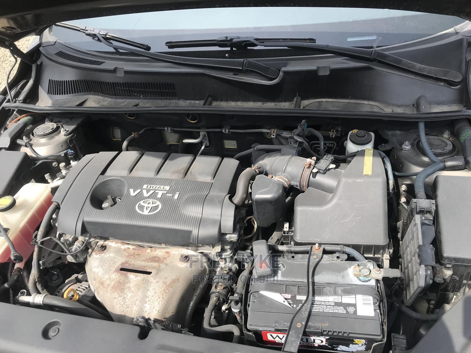 Archive: Toyota RAV4 2009 Brown