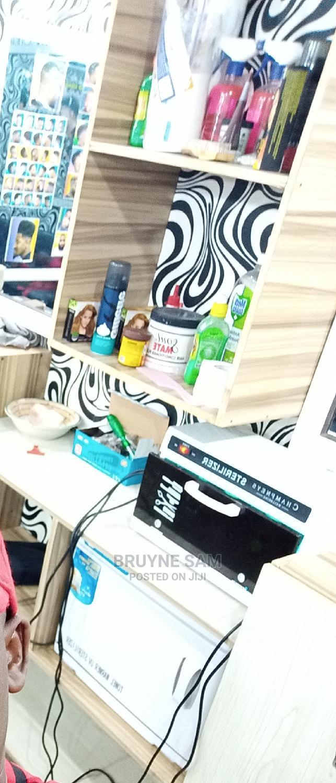 Saloon Equipments for Sale.   Salon Equipment for sale in Ugheli, Delta State, Nigeria