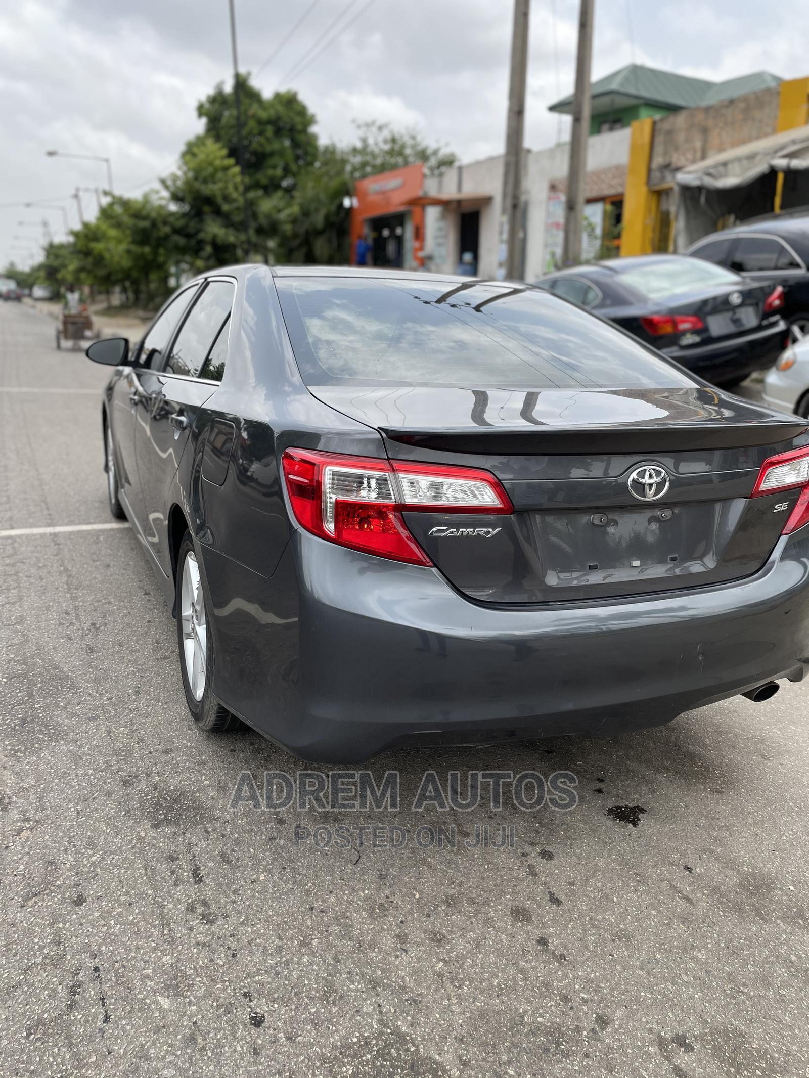 Toyota Camry 2013 Gray | Cars for sale in Ifako-Ijaiye, Lagos State, Nigeria