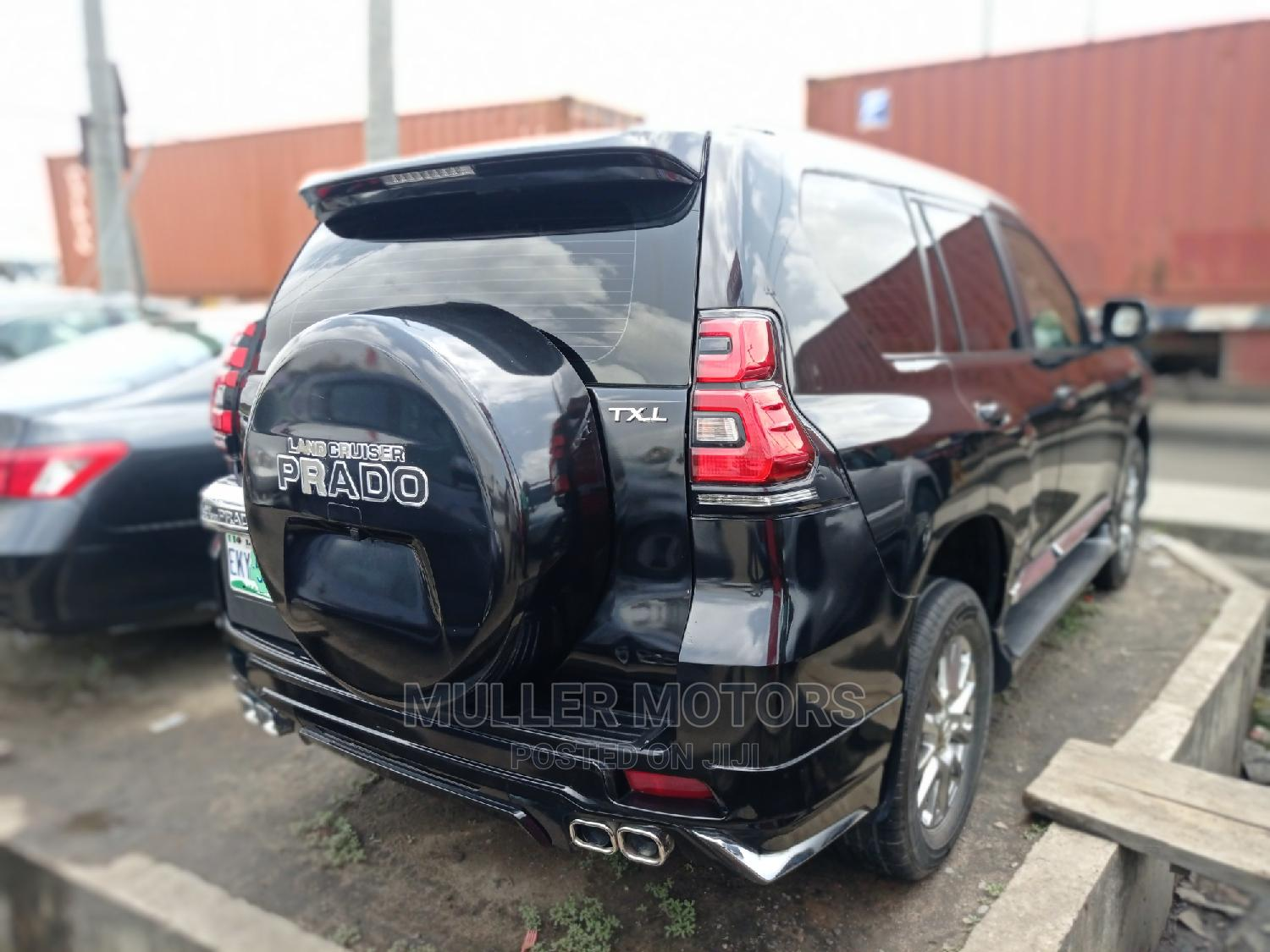 Toyota Land Cruiser Prado 2017 Black