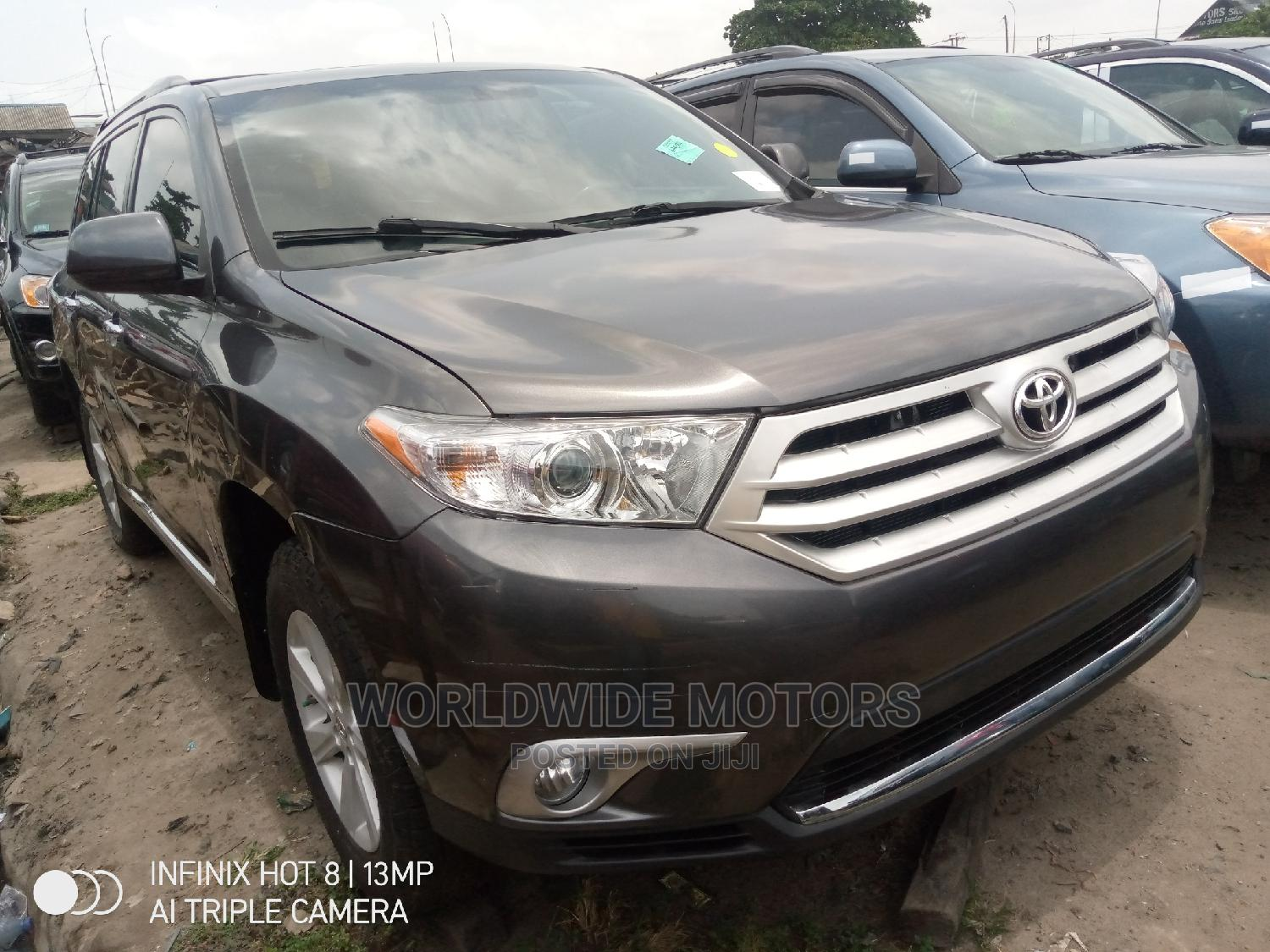 Toyota Highlander 2013 Limited 3.5l 4WD Gray | Cars for sale in Apapa, Lagos State, Nigeria