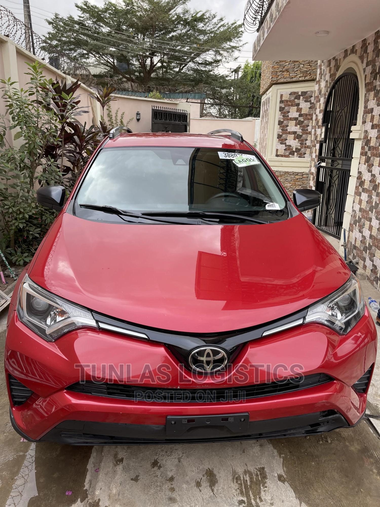 Toyota RAV4 2017 Red