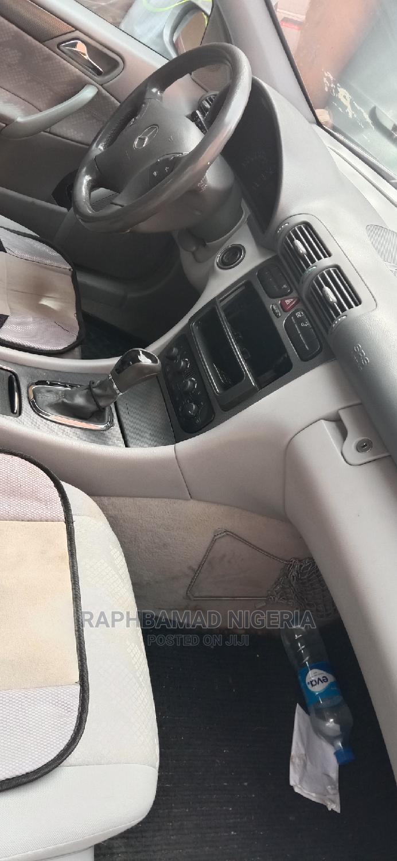 Archive: Mercedes-Benz C180 2002 Gray