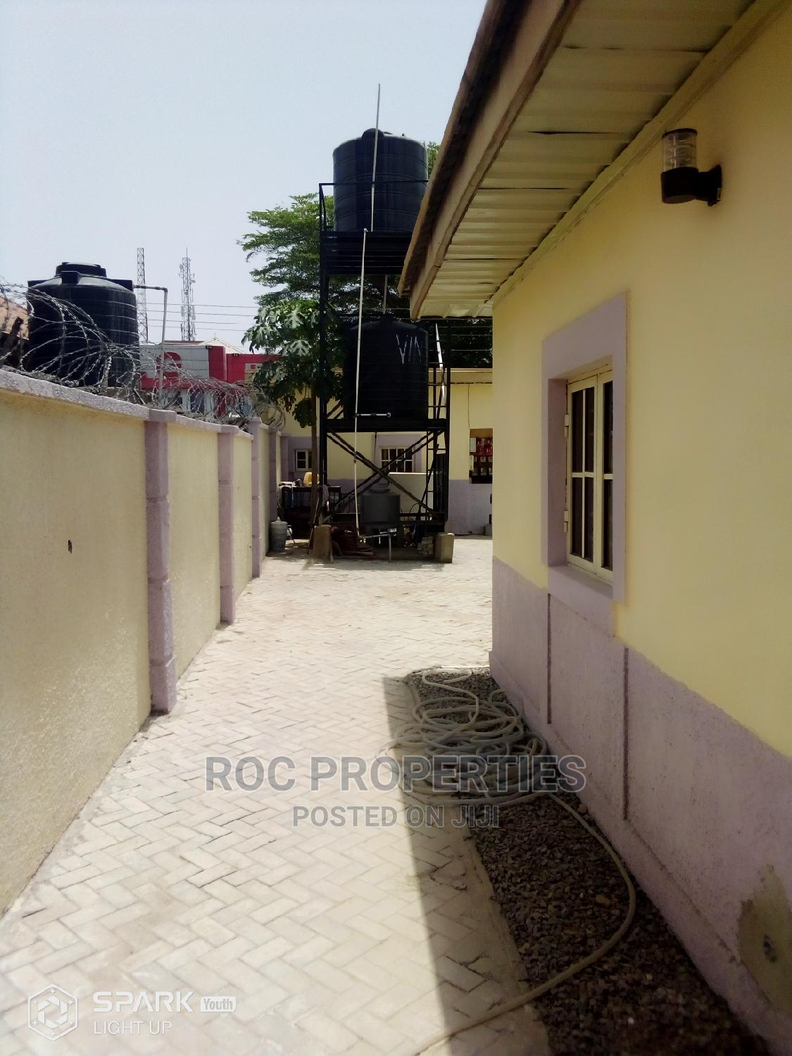 2bedrm Bungalow Short Stay Apartment to Let   Short Let for sale in Gwarinpa, Abuja (FCT) State, Nigeria