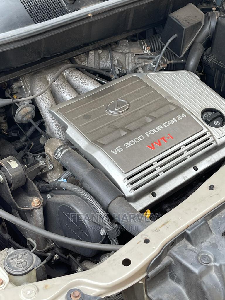 Archive: Lexus RX 1999 Gold