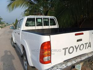 Toyota Hilux 2010 2.0 VVT-i SRX White | Cars for sale in Imo State, Owerri