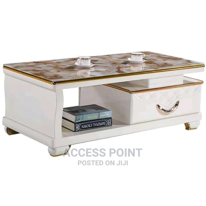 Classic Center Table With Drawer