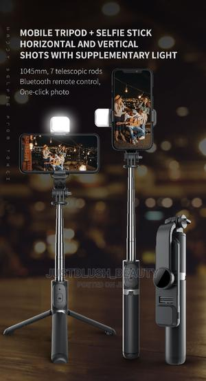 Selfie Stick With Flash Light | Accessories for Mobile Phones & Tablets for sale in Lagos State, Amuwo-Odofin