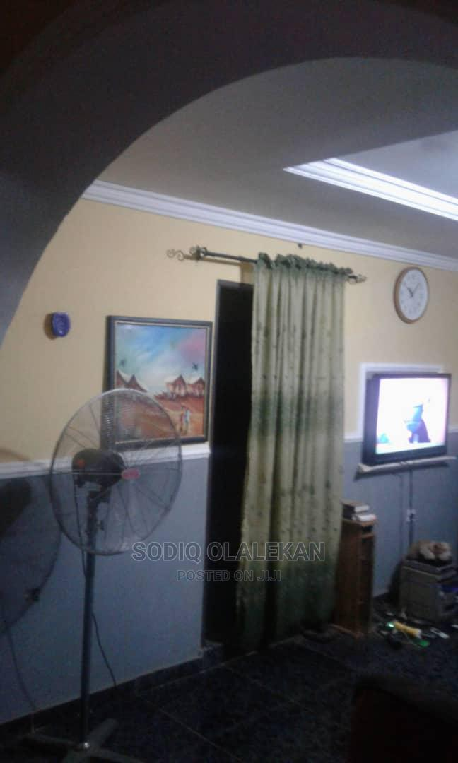 Archive: Bungalow of 3bedroom Flat at Araro Road, Awontan Apete, Ib.