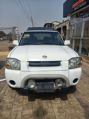 Nissan Frontier 2004 LE V6 Crew Cab White | Cars for sale in Kwara State, Ilorin South