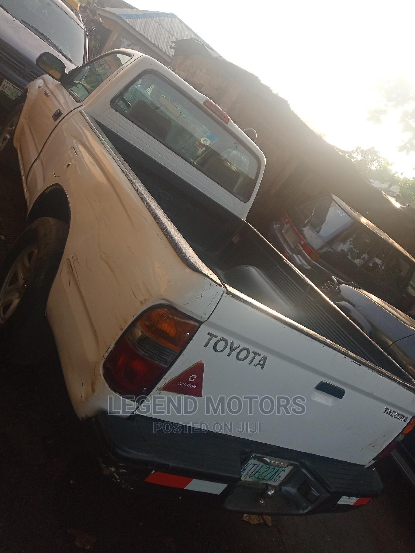 Archive: Toyota Tacoma 1998 White