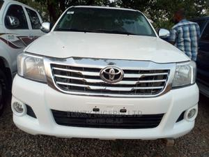 Toyota Hilux 2014 White | Cars for sale in Abuja (FCT) State, Jabi
