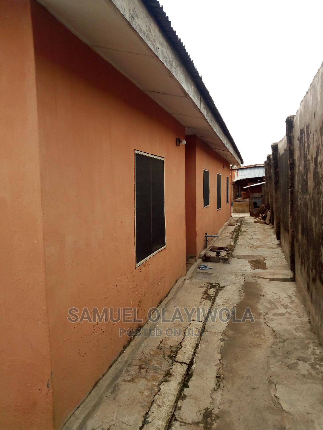 A Self Compound 5 Bedroom Flat | Houses & Apartments For Sale for sale in Ibadan, Oyo State, Nigeria