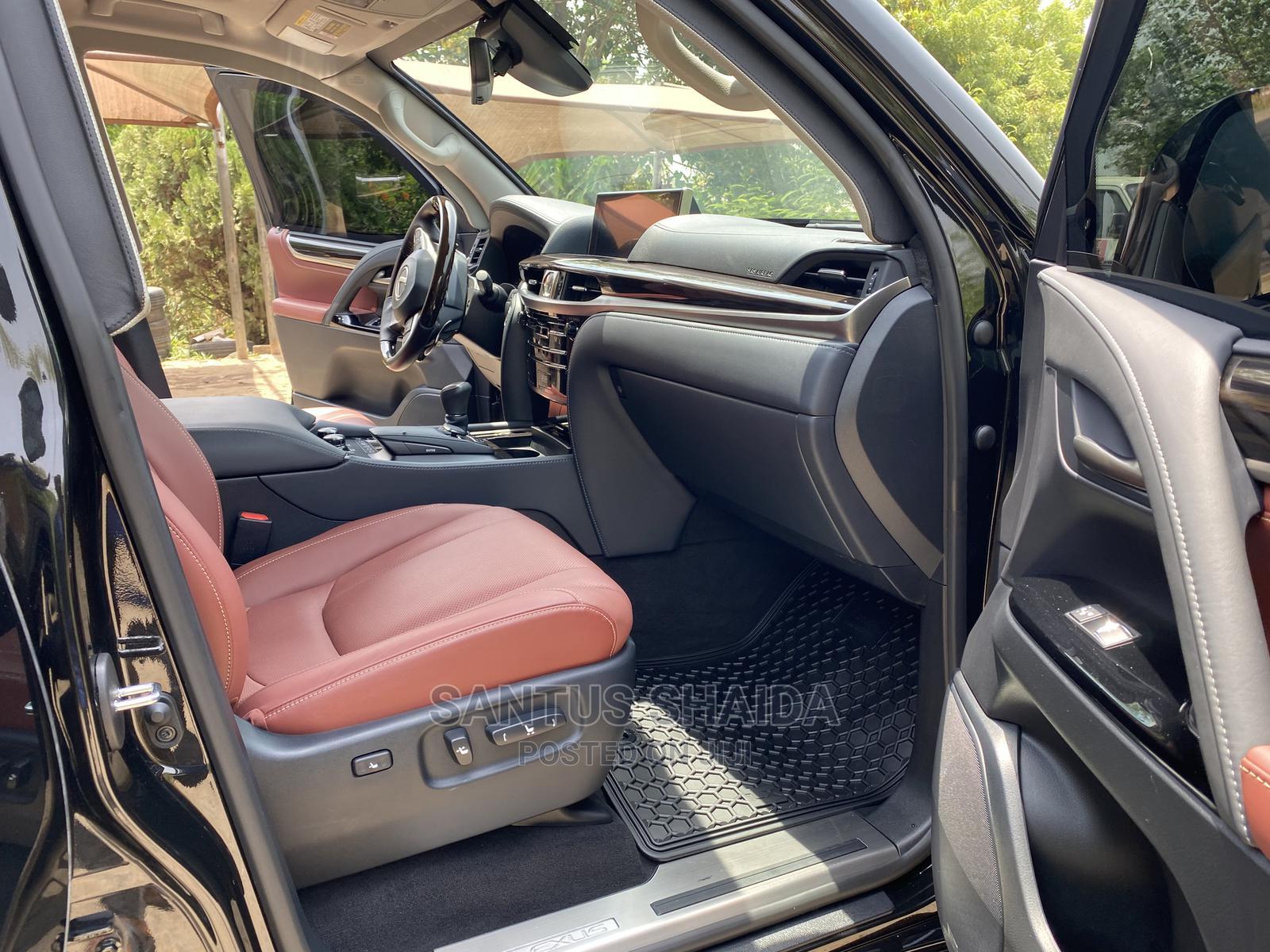 Archive: New Lexus LX 2020 Black