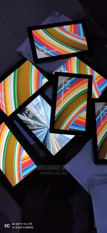 Archive: Microsoft Surface 32 GB Black