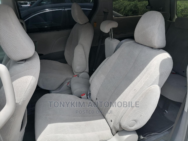 Toyota Sienna 2014 White   Cars for sale in Amuwo-Odofin, Lagos State, Nigeria