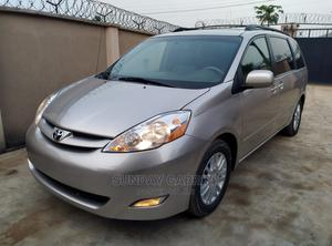 Toyota Sienna 2010 XLE 7 Passenger Gold | Cars for sale in Akwa Ibom State, Uyo