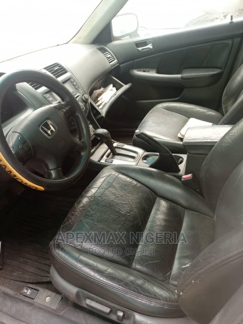 Archive: Honda Accord 2005 Sedan LX V6 Automatic Silver