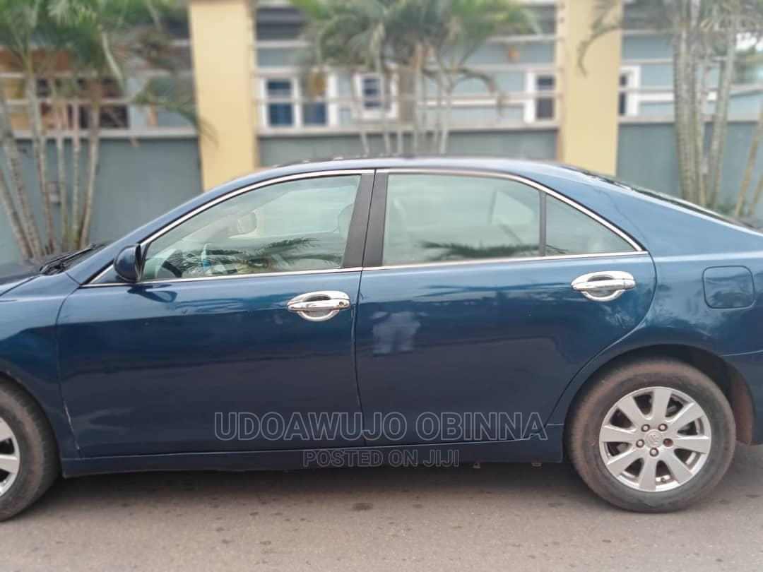 Archive: Toyota Camry 2008 3.5 XLE Blue