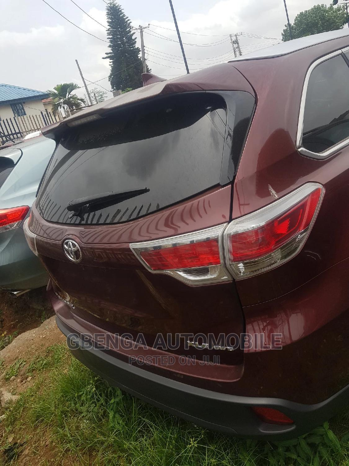Toyota Highlander 2014 Red | Cars for sale in Surulere, Lagos State, Nigeria