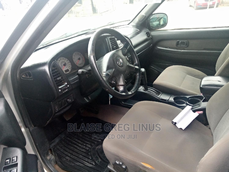 Archive: Nissan Pathfinder 2004 LE Platinum 4x4 Silver