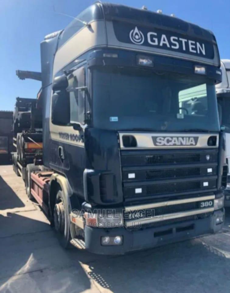 Scania R114 Black