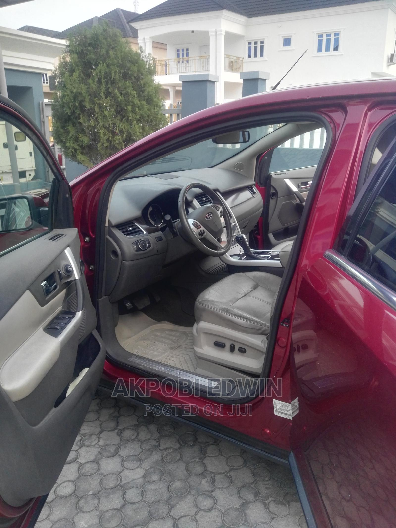 Archive: Ford Edge 2013 Red