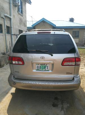 Toyota Sienna 2002 LE Gray | Cars for sale in Lagos State, Ikorodu