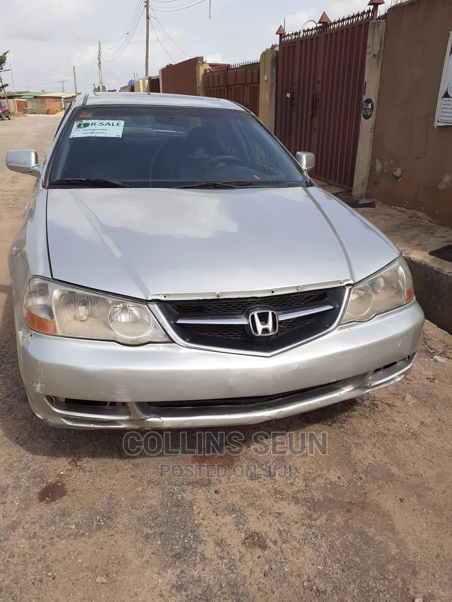 Archive: Honda Legend 2002 Silver