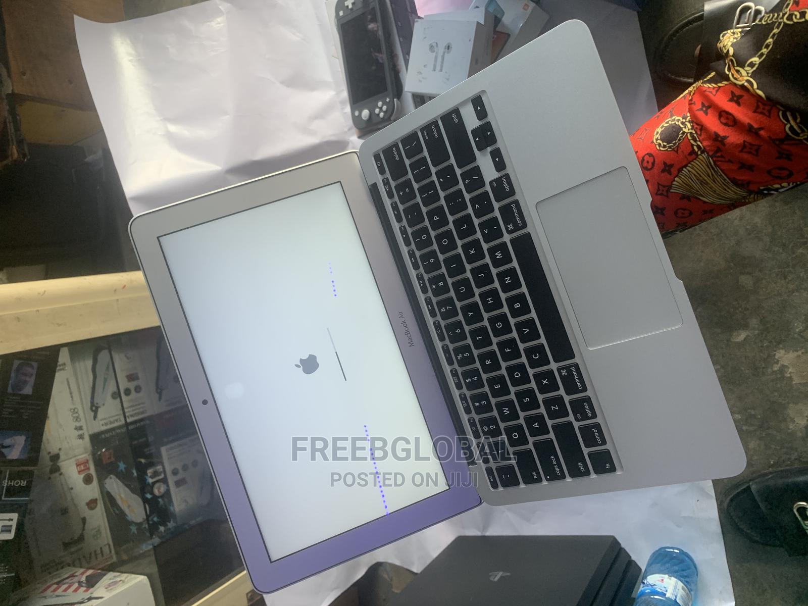 Laptop Apple MacBook Air 4GB Intel Core I5 SSD 60GB | Laptops & Computers for sale in Lekki, Lagos State, Nigeria