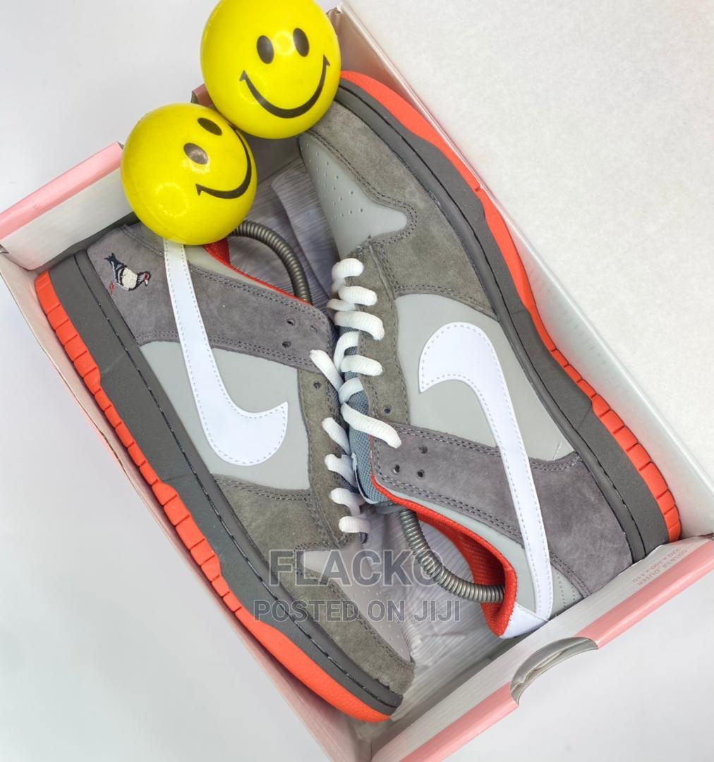 Original Nike Sb Dunk Low Staple Pigeon Sneakers Available | Shoes for sale in Surulere, Lagos State, Nigeria