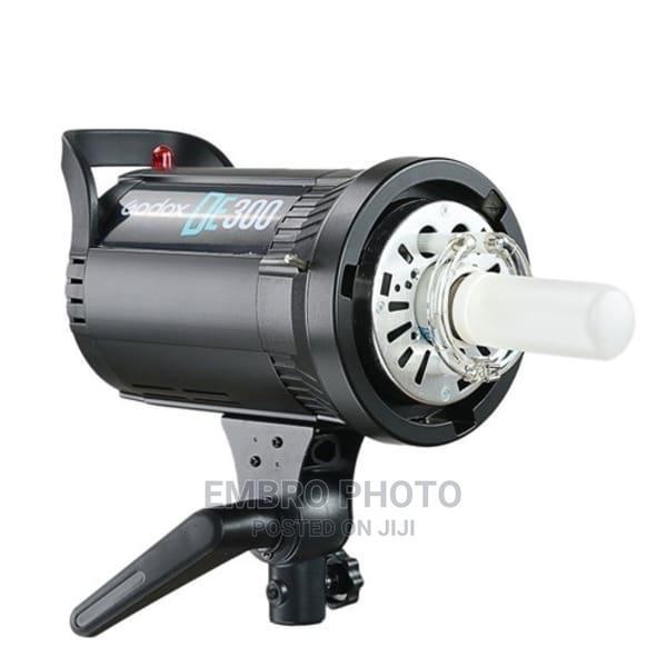 Godox Studio Light DE 300watts Set   Accessories & Supplies for Electronics for sale in Kosofe, Lagos State, Nigeria