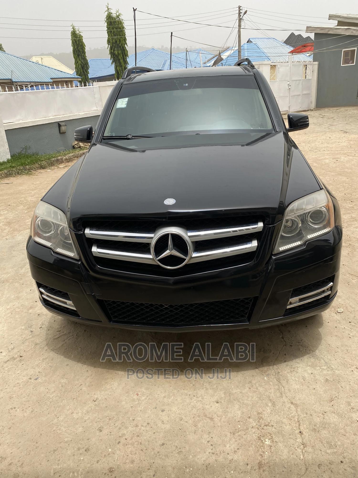 Archive: Mercedes-Benz GLK-Class 2010 350 4MATIC Black