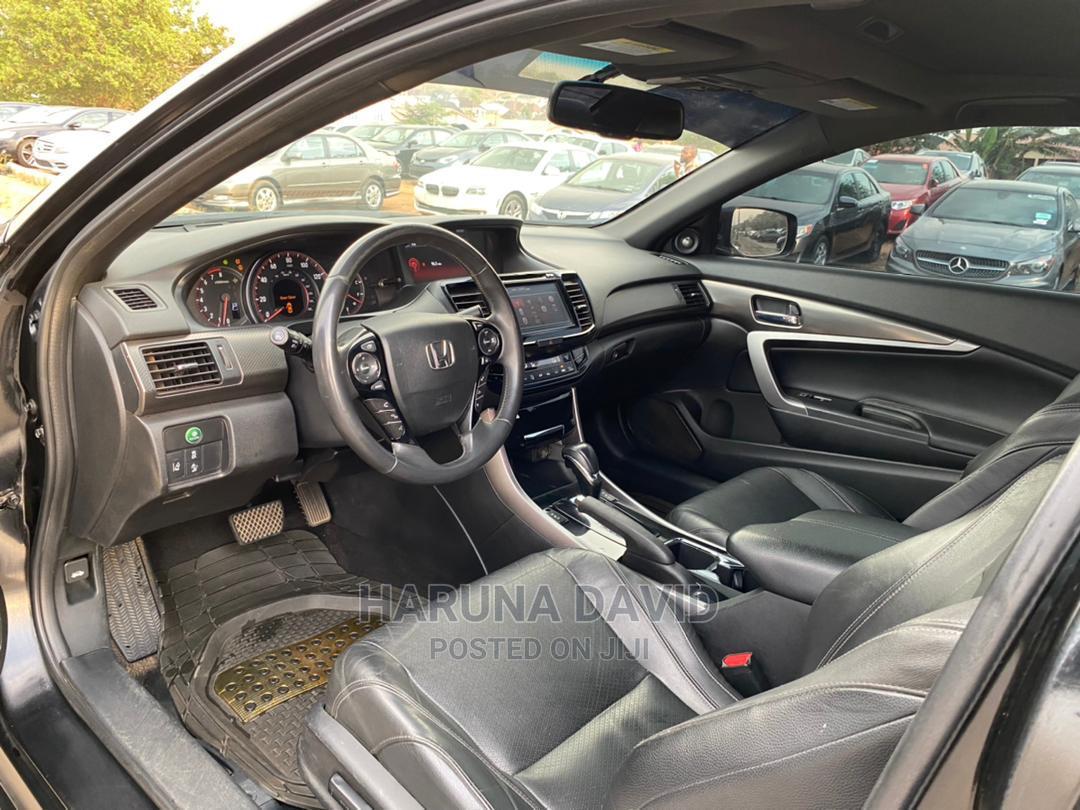 Archive: Honda Accord 2017 Black