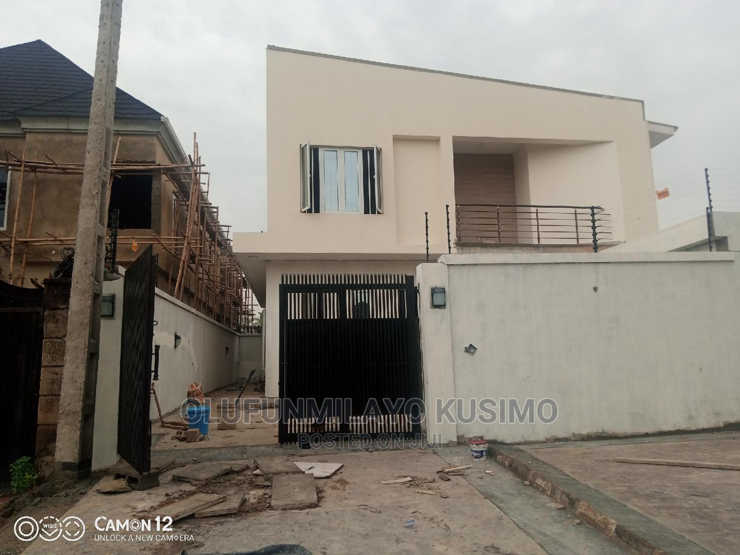 Archive: 4 Bedroom Deatched Duplex Going For