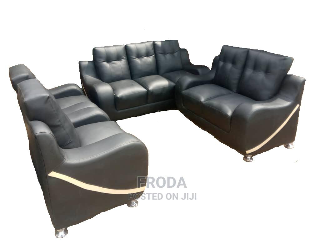 Set of 7 Seaters Sofa Chairs. Living Room Leather Couch
