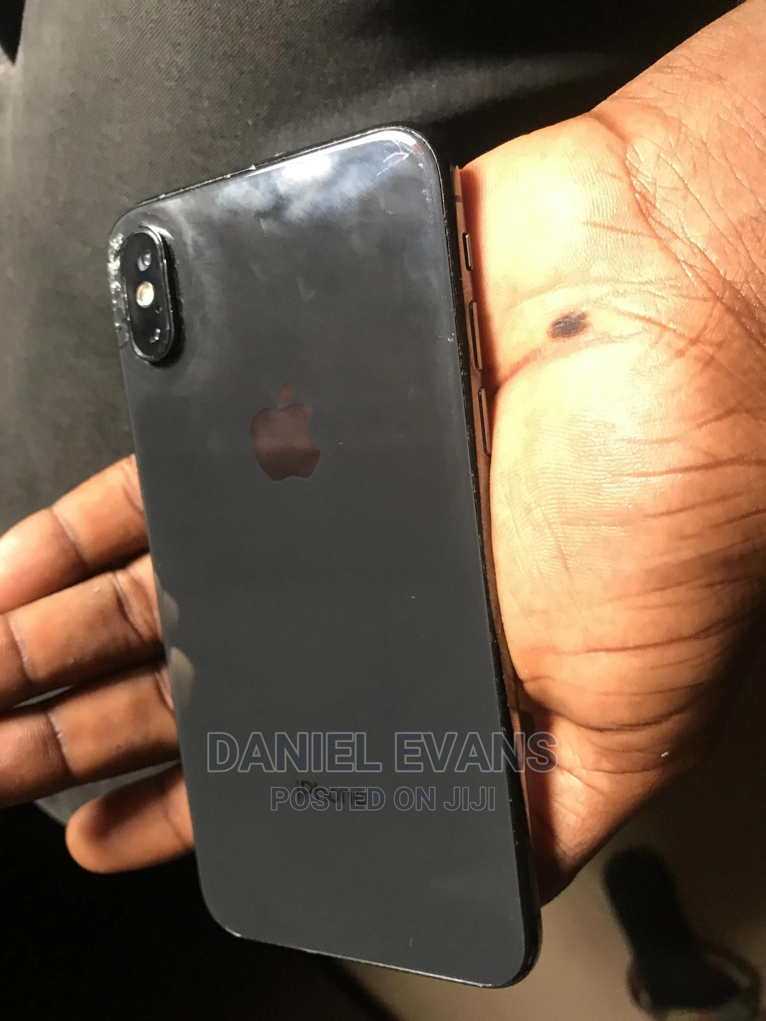 Apple iPhone X 64 GB Black