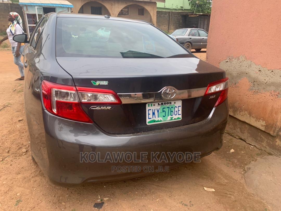 Archive: Toyota Camry 2013 Gray