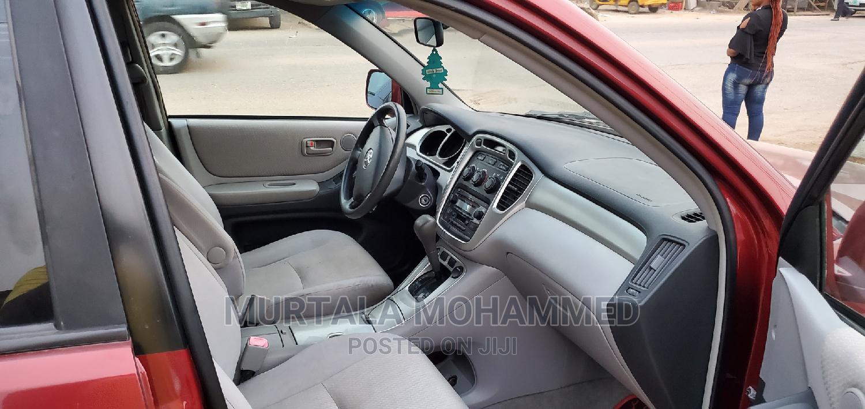 Archive: Toyota Highlander 2005 V6 Red