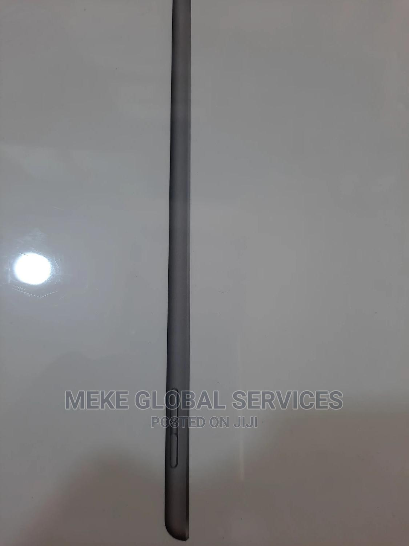 New Apple iPad Wi-Fi 32 GB Gray