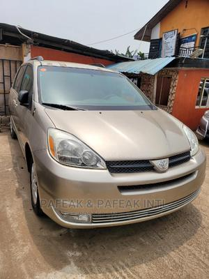Toyota Sienna 2004 Gold | Cars for sale in Lagos State, Alimosho
