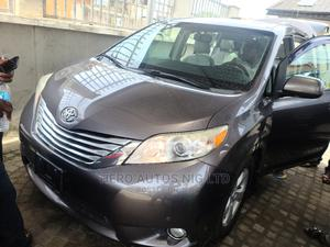 Toyota Sienna 2011 XLE 7 Passenger Mobility Gray | Cars for sale in Lagos State, Surulere
