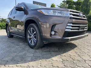 Toyota Highlander 2017 XLE 4x2 V6 (3.5L 6cyl 8A) Brown | Cars for sale in Lagos State, Ikeja