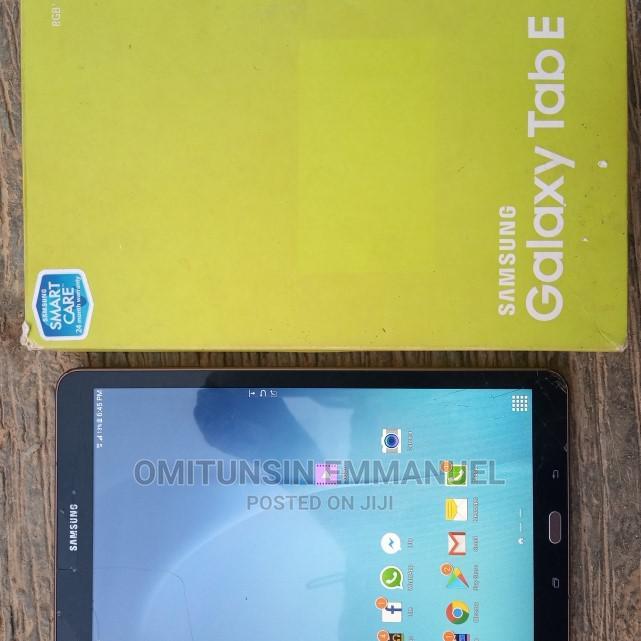 Samsung Galaxy Tab E 9.6 16 GB Pink