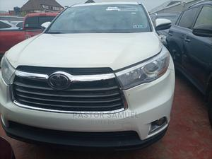 Toyota Highlander 2014 White   Cars for sale in Lagos State, Isolo