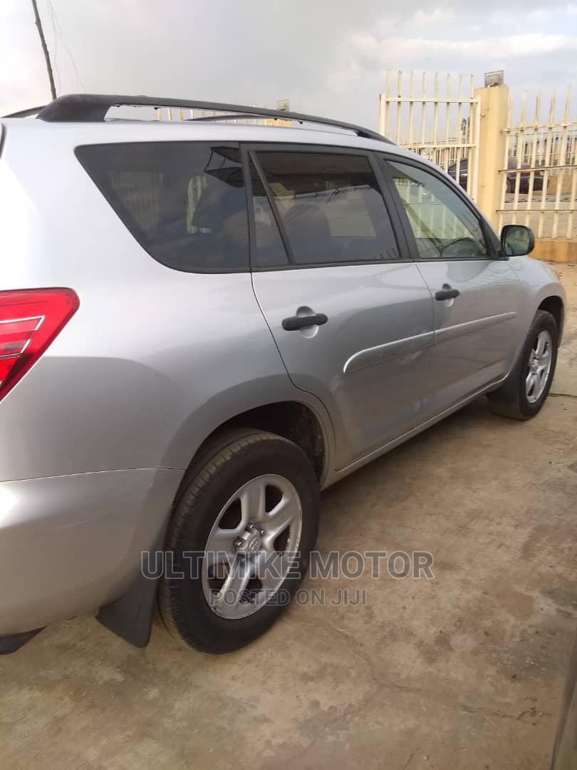 Toyota RAV4 2010 2.5 4x4 Silver | Cars for sale in Ibadan, Oyo State, Nigeria