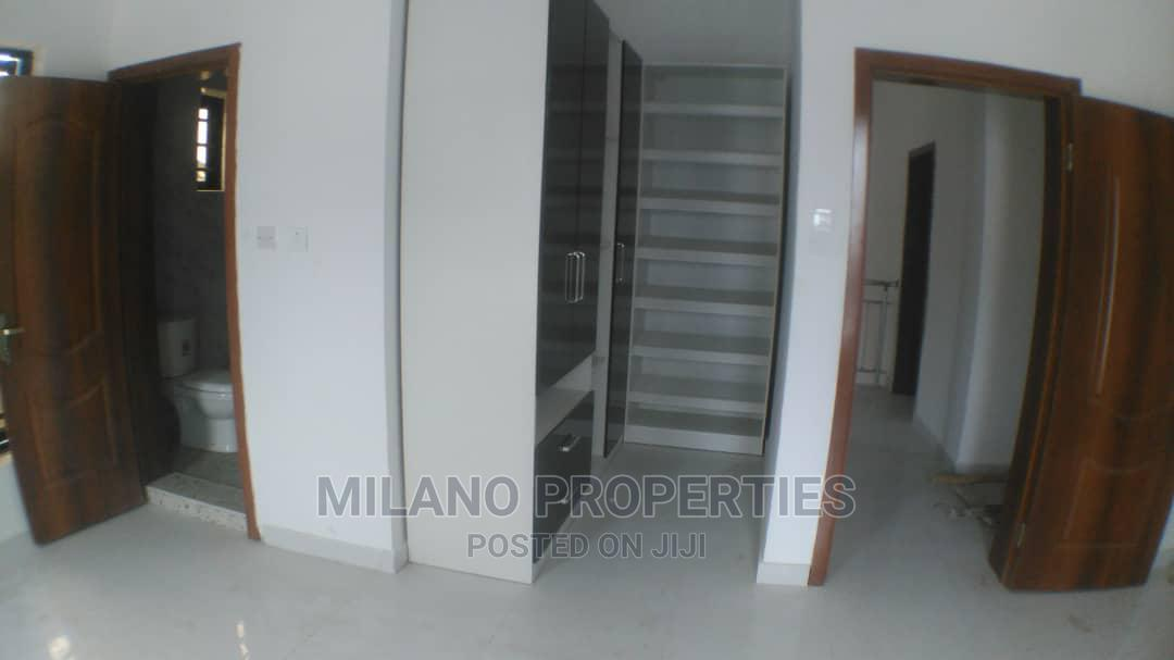 Archive: Newly Built 4 Bedroom Duplex