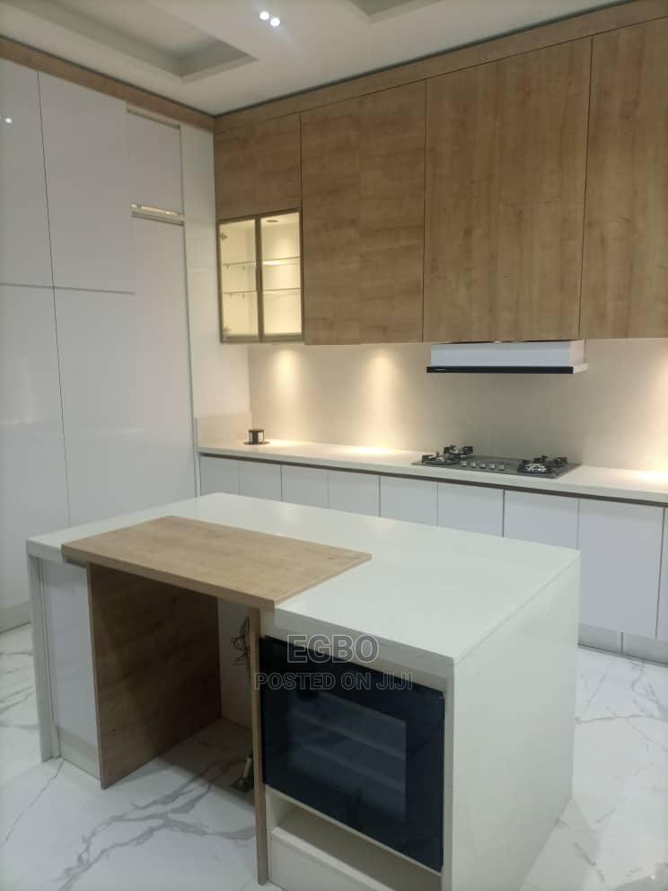 Archive: Tastefully Furnished 5 Bedrooms Detached Duplex At Lekki 1