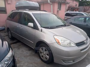 Toyota Sienna 2006 LE FWD Silver | Cars for sale in Lagos State, Ikeja